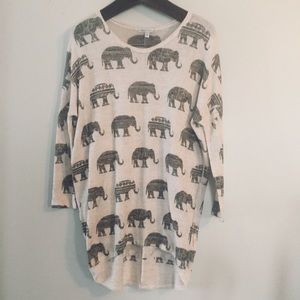 Moa Moa elephant print lightweight top. Medium